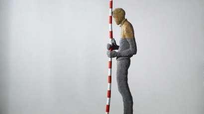 יורדת ימים, מודדת יבשות – הערות על עבודותיה של בלהה אהרוני / חיים מאור